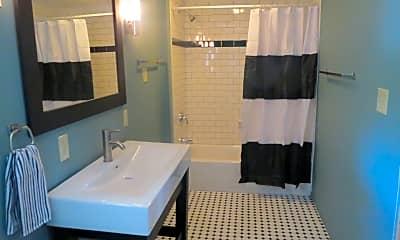 Bathroom, 1000 E Stewart St, 2