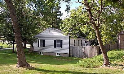 Building, 814 Dickson St, 2