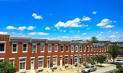 Building, 3903 Hudson St, 1