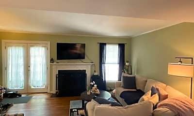 Living Room, 2901 S Woodstock St, 1