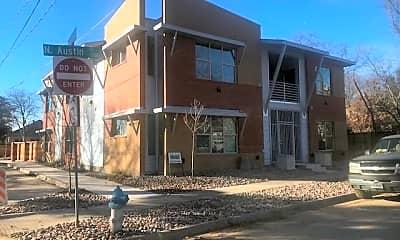 Building, 1301 N Austin St, 1