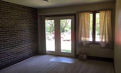 Patio / Deck, 611 Birch St, 1