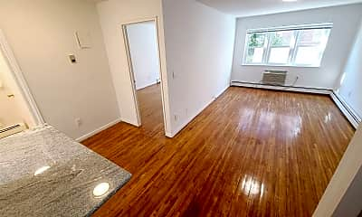 Living Room, 110-35 72nd Dr, 0