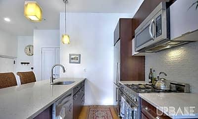 Kitchen, 300 Bleecker St, 1