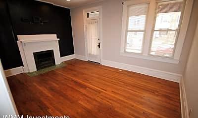 Living Room, 193 E Maynard Ave, 2
