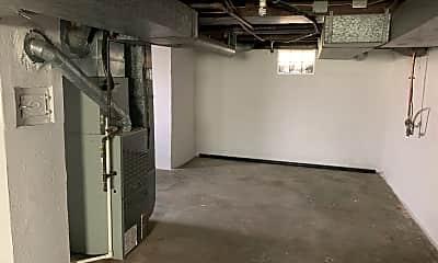 Bathroom, 4770 Hamilton Rd, 2