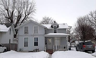 Building, 1924 Latham St, 2