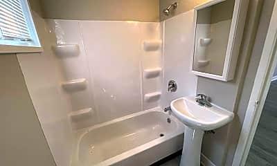 Bathroom, 1306 E Seneca Ave, 2