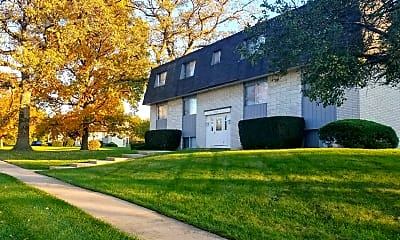 Carriage House, 0