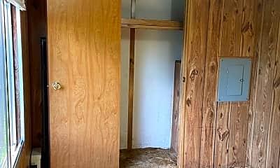 Bedroom, 2979 NC-16, 2