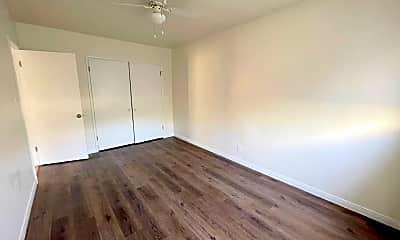 Living Room, 9433 Harvard St, 2