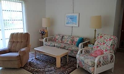 Living Room, 2538 Lakeshore Cir, 1