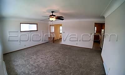 Living Room, 2225 Country Club Dr, 1