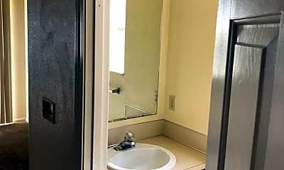 Bathroom, 2759 S Cloverleaf Loop, 2