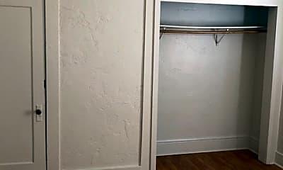 Bedroom, 421 E Rose St, 1