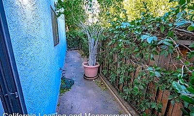 Patio / Deck, 456 E Magnolia Blvd, 2