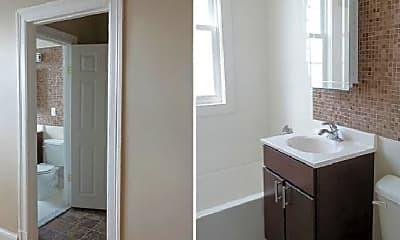 Bathroom, 1630 Park Rd NW, 1