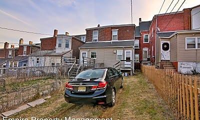 Building, 536 Montclair Ave, 2