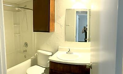 Bathroom, 304 College St, 1