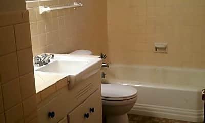Bathroom, 716 W 38th St, 2