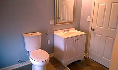 Bathroom, 3151 W 41st St 2, 2