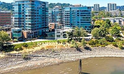 Building, 1920 S River Dr, 2