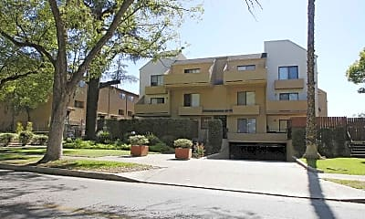 Building, 84 N Wilson Ave, 1