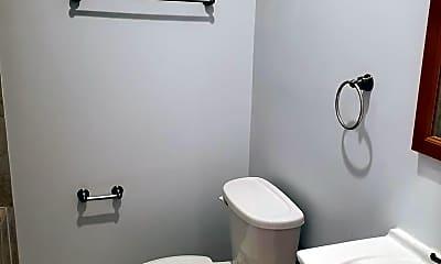 Bathroom, 808 5th St NE 1, 2