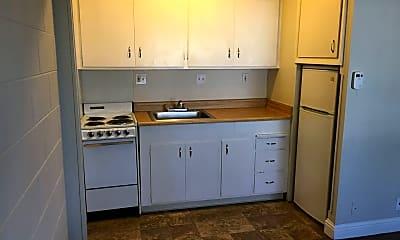 Kitchen, 1413 Portola Ave, 1