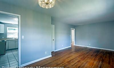 Living Room, 1118 Arlington Ave, 0
