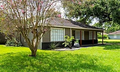 Building, 4803 Saxon St, 1