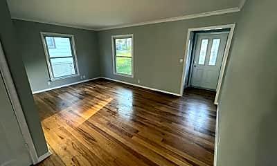 living room.jpg, 2805 Edgewood Ave S, 1