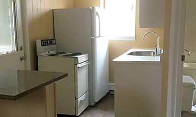 Kitchen, 507 S Center St, 1