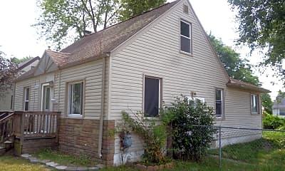 Building, 15304 Semrau Ave, 2