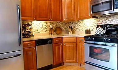 Kitchen, 931 Willow Ave 5, 2