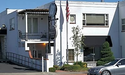 Building, 807 W Yakima Ave, 1