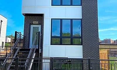 Building, 4047 S Prairie Ave 1, 1