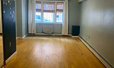 Living Room, 3101 Heath Ave 1, 1