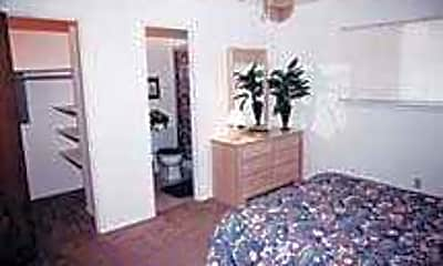 Bronco Apartments, 2