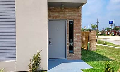 Building, 7701 Via Del Mar Cir 8, 1