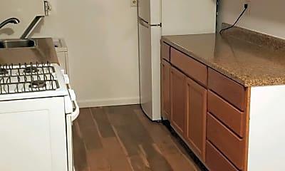Kitchen, 3101 Southern Ave SE 15, 1