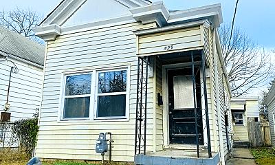 Building, 529 E Ormsby Ave, 1