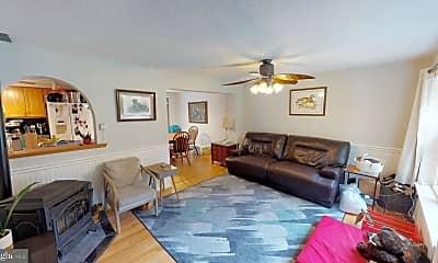 Living Room, 22904 Christ Church Rd, 1
