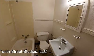 Bathroom, 923 Douglas Ave, 1
