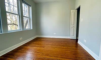 Living Room, 7320 N Damen Ave., 2