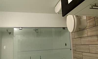 Bathroom, 710 Chestnut St, 2