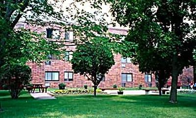 Woodcrest Manor, 0