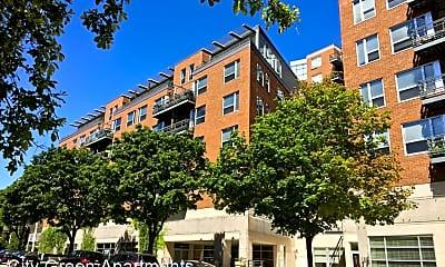 Building, 1100 N Cass St, 1