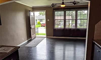 Living Room, 2628 Tamm Ave, 1