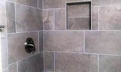 Bathroom, 517 Florida Ave T2, 2